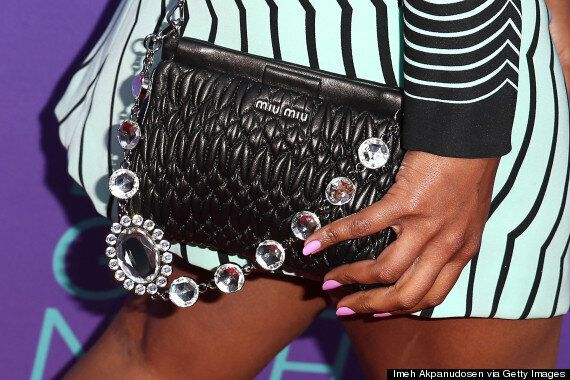 Mindy Kaling Is A Sight To Behold In Marc Jacobs Dress