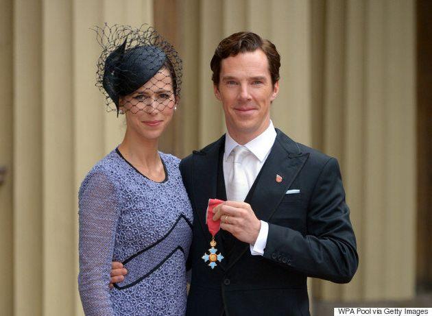 Benedict Cumberbatch Meets Queen Elizabeth II While Honoured At Buckingham