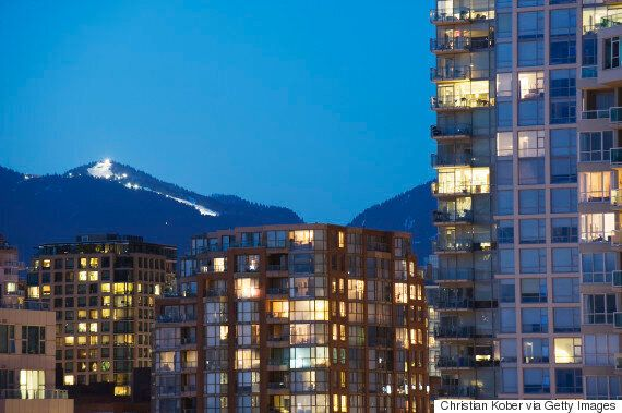 Vancouver, Toronto Real Estate Could Cool Down Next Year: