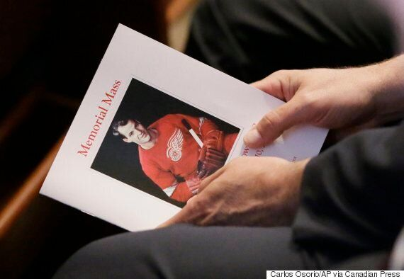 Gordie Howe Funeral: Hall Of Famers, Fans Bid Final