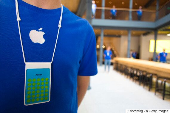 Apple Store Thief Dresses Like Staffer To Lift $16K In