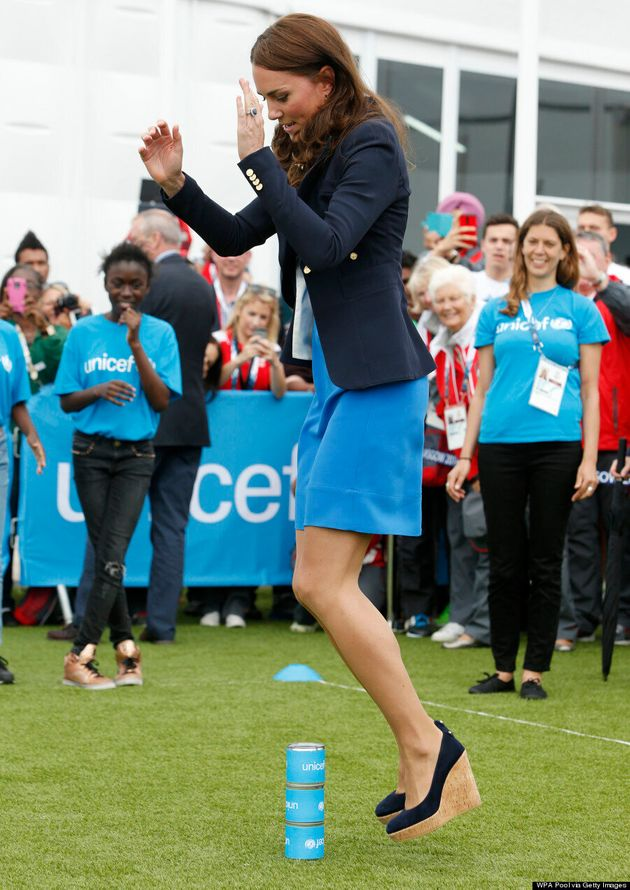 Kate Middleton Bowls In Gorgeous Blue Dress At Commonwealth Games