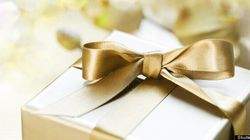 Sticky Situation: Your Wedding Gift Questions