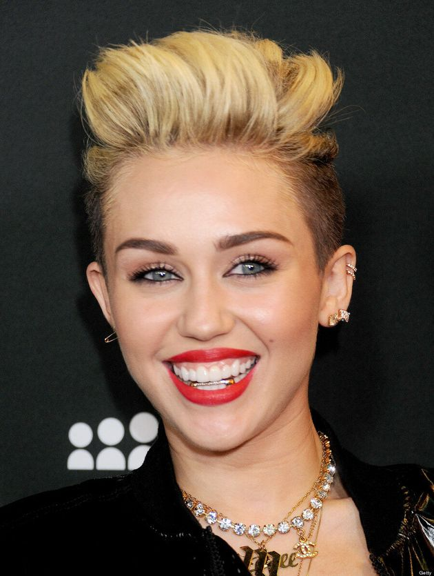 Miley Cyrus Goes Gangster With Gold Grill Bling Video Photos Huffpost Canada