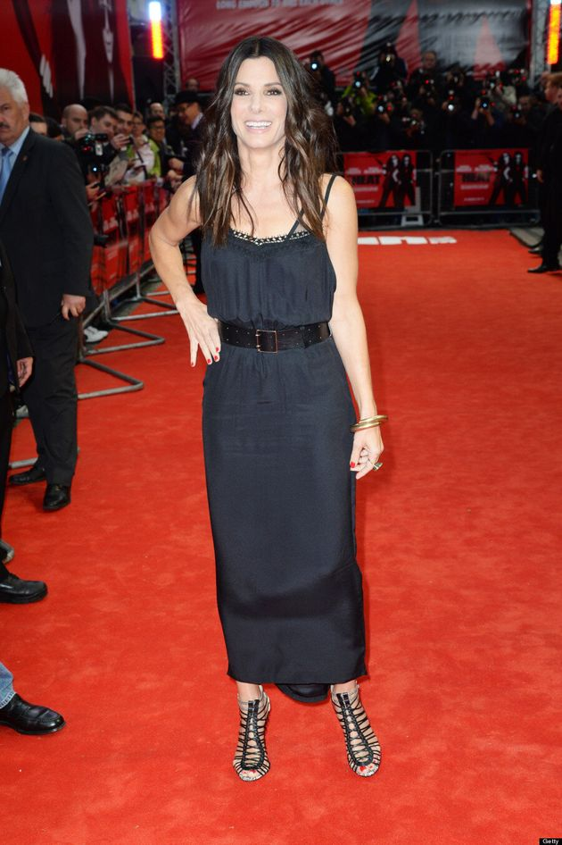 Sandra Bullock Flashes Bra On The Red Carpet At 'The Heat' Premiere (VIDEO,