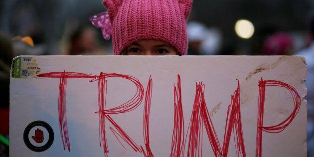 Les bonnets roses à oreilles de chat («pussy hats») sont devenus le symbole de l'opposition au nouveau...