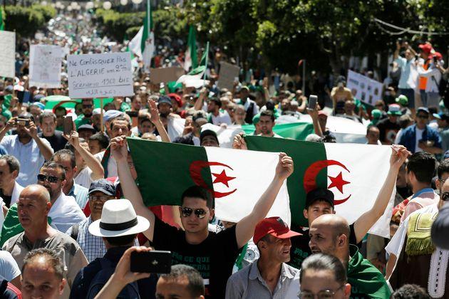 L'Algérie du vendredi XII: non à la réinitialisation du système par le