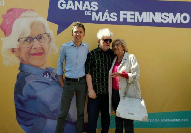 Íñigo Errejón, Pedro Almodóvar y Manuela