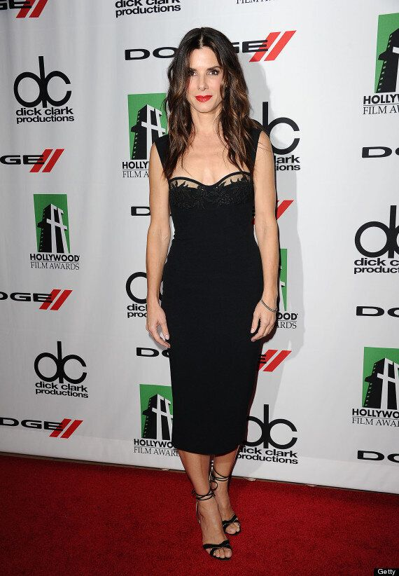 Sandra Bullock Looks Sexy In Little Black Dress At Hollywood Film Awards (VIDEO,