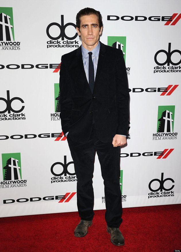 Jake Gyllenhaal Debuts Weight Loss At Hollywood Film Awards (VIDEO,