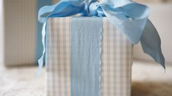 Sticky Situation: Should You Bring a Gift to Destination