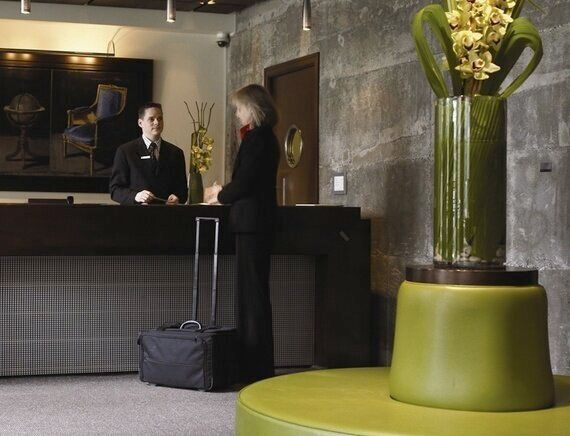 Tips From Hotels to Make Your Home More Welcoming to