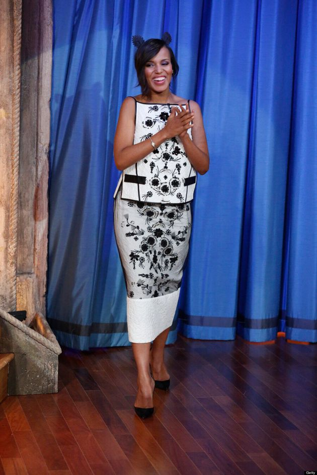 Kerry Washington Hides Baby Bump On 'Late Night With Jimmy Fallon' (VIDEO,