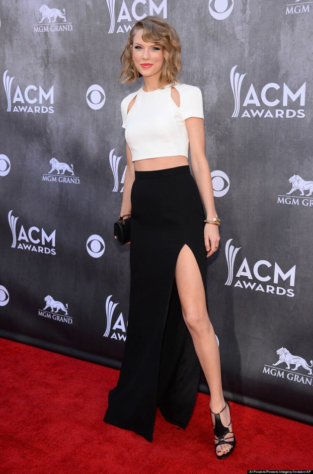 Taylor Swift S 2014 Acm Awards Look Is Surprisingly Mature Photos Huffpost Canada