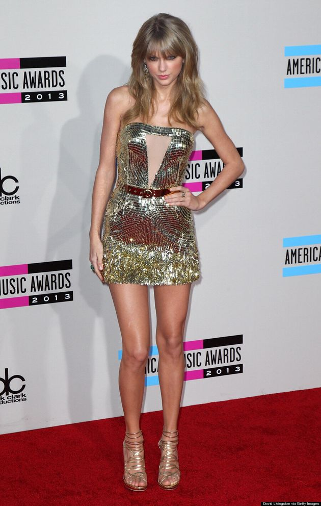 Taylor Swift American Music Awards 2013: Dress Looks Like Mischa Barton Frock (VIDEO,
