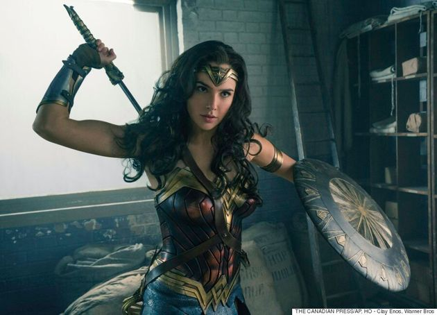 'Wonder Woman' Fan Gets Excited About Diana's 'Jiggling' Thigh For Important