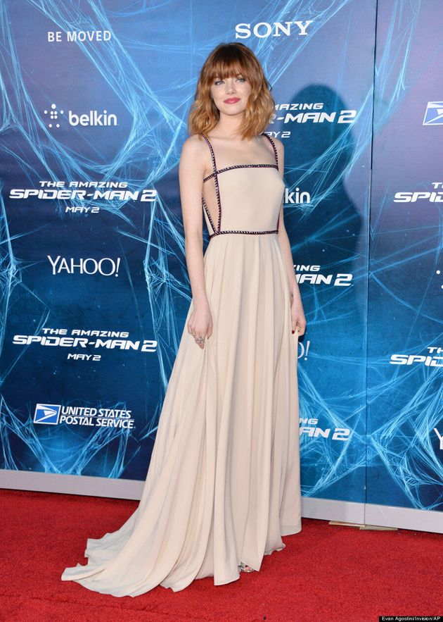 Emma Stone Proves That Pale Women Can Pull Off Light Colours With