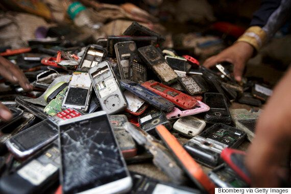 63% Of Canadians Are Hoarding, Not Recycling Old Cell Phones:
