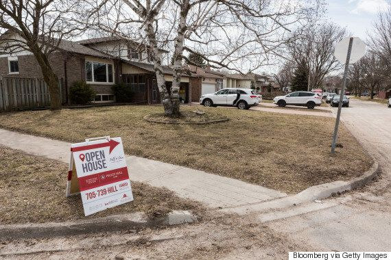 Toronto Homeowners Cash Out Amid Fears Of A Housing