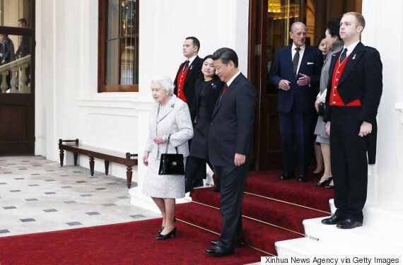 Queen Elizabeth Criticizes Chinese Officials As 'Very Rude' On