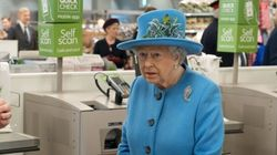 The Queen Visits A Supermarket And Her Expressions Are