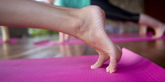 Foot Yoga New York Yoga Instructor Wants To Make Heels Less Painful Huffpost Canada Life