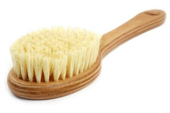 What Is Dry Skin Brushing (And Why Should I Do