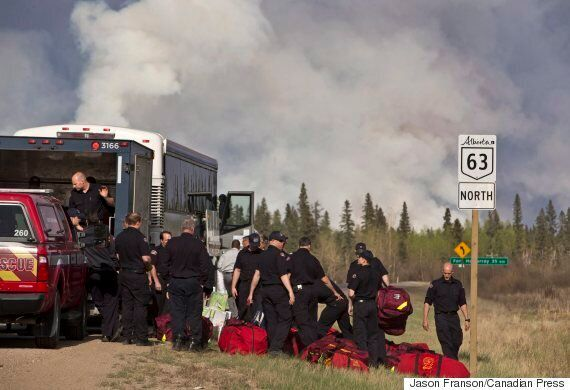 Fort McMurray Fire: Huge Convoy Moves Thousands From Oilsands