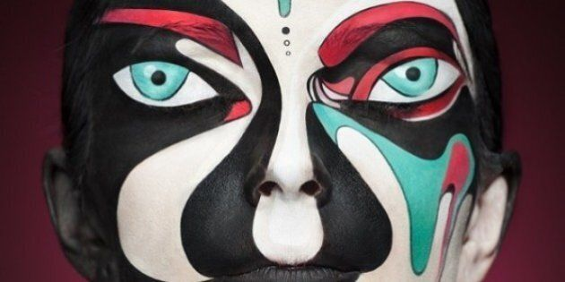 Cool Makeup Transformation: Faces Turns Into Iconic 2D Prints