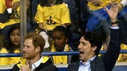 Trudeau Shows Prince Harry How Canadians Behave In A Hockey