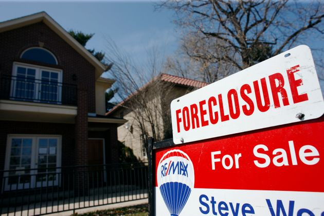 Moody's Says Canadian Housing OK As It's Sued Over U.S.