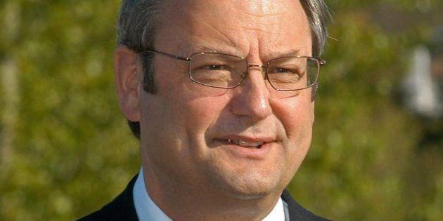 John Les' Earthquake Monitor Job Makes NDP Shake With