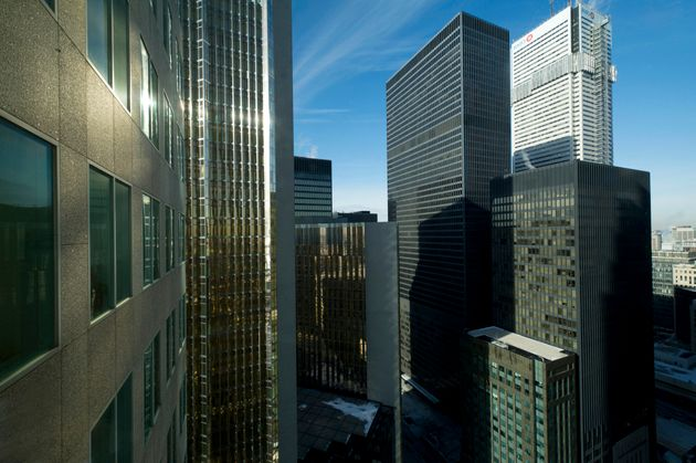 Canadians Becoming Less Reliant On Banks: