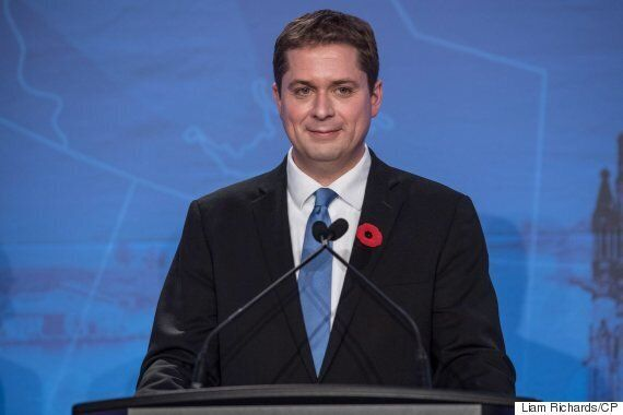 Conservative leadership candidate Andrew Scheer says if elected prime minister he will mandate the display of flags of countries that export oil to Canada at gas pumps.