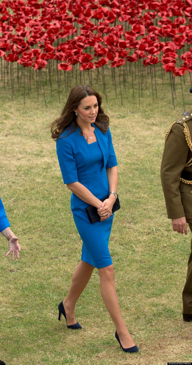 Kate Middleton Keeps It Classy In Blue Dress At First World War Poppy Tribute