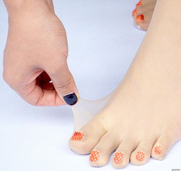 Pre-Painted Toenail Tights Are The Latest Fashion Craze Out Of
