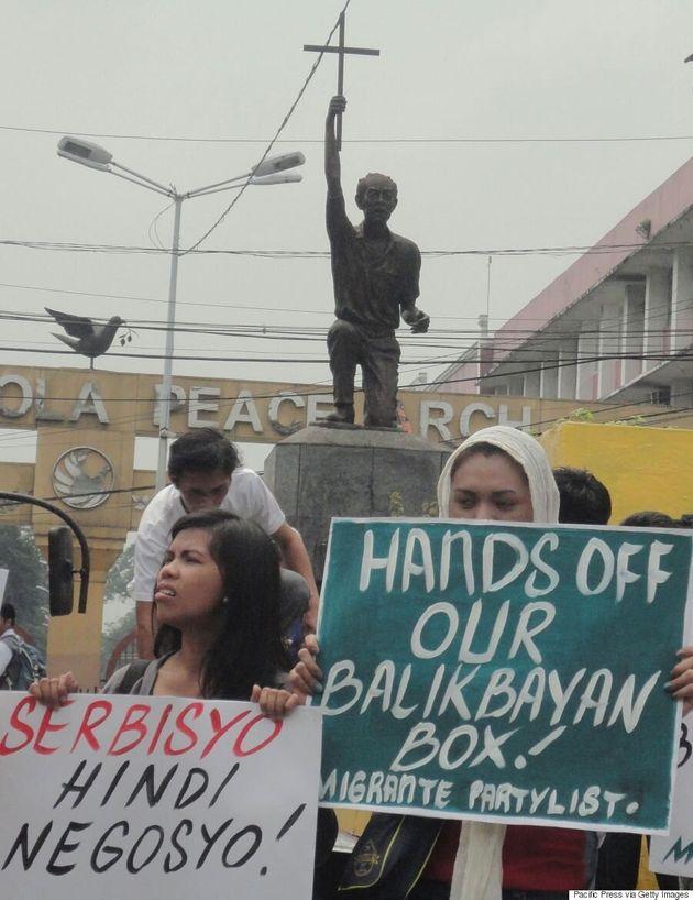 Unpacking The Balikbayan Box: A Filipino-Canadian