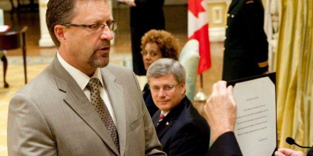 Harper Defends Chuck Strahl, Ex-Spy Watchdog, As Man Of