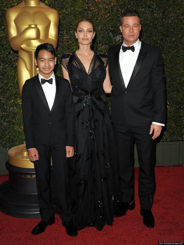 Angelina Jolie, Brad Pitt And Maddox Stun At Governors Awards (VIDEO,