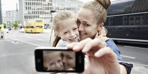 Memory Loss Causes: Taking Pictures May Ruin What You