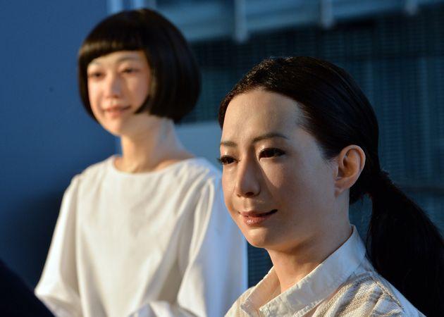 Robots At Tokyo Museum, Kodomoroid And Otonaroid Look Eerily Human, Outdo People At