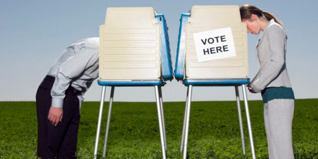 Canada Expats Challenge Elections Act In