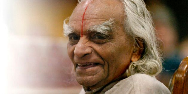 ESTES PARK, COLORADO-SEPT. 28, 2005-Sri B.K.S. Iyengar, recognized world-wide as a yoga master, taught...
