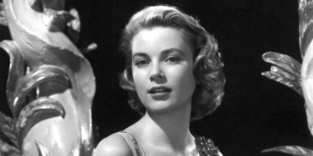 NON SPECIFIE - 1954: Portrait of actress Grace Kelly en 1954. (Photo by API/Gamma-Rapho via Getty