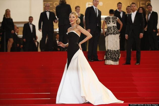 Blake Lively Channels Julia Roberts' Oscar Dress At 2014