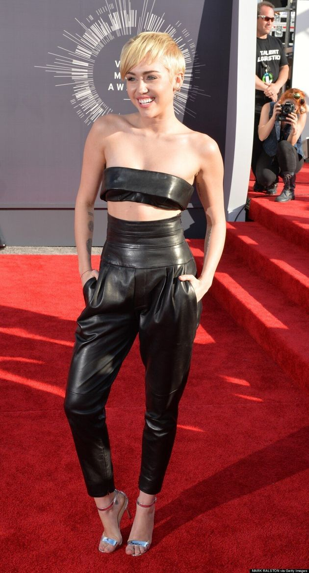 Miley Cyrus Wears Tiniest Top Ever At 2014 MTV VMAs