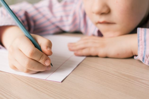 子どもにはスマホより読書が良い?