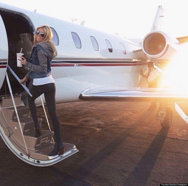 Paulina Gretzky's Travel Outfit Will Make Wayne Happy