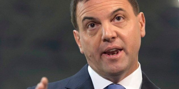 Ontario Election 2014: Tim Hudak Promises 10 Per Cent Income Tax Cut After Books