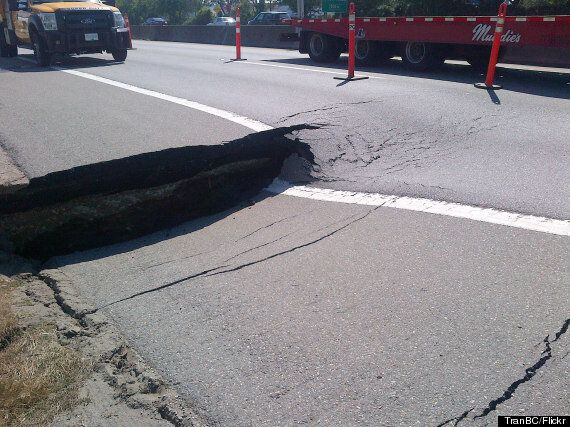 This Is How You Fix A Giant Hole On Highway